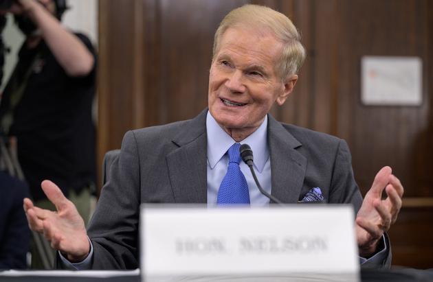 78岁前参议员比尔·纳尔逊宣誓就任NASA第14任局长