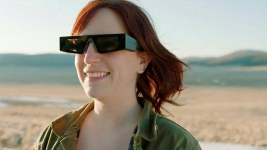 Snap推出增强现实眼镜仅供少数开发者使用